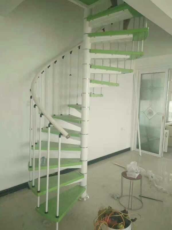 华丰中柱旋转楼梯