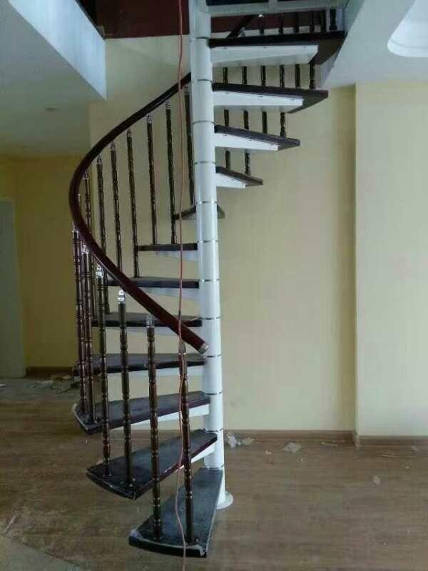 中柱楼梯安装