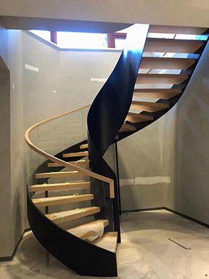 定制钢木楼梯