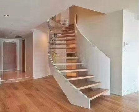 流畅钢木楼梯