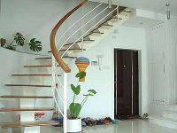 艺术性斜梁楼梯